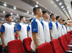 河南省实验中学首届航空实验班毕业