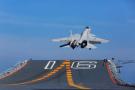 歼-15战机真的不如俄罗斯苏-33?美媒:两者对比各有千秋