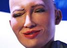 机器人皱眉做鬼脸