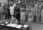 二战后美国问天皇为何不切腹?他的回答竟是