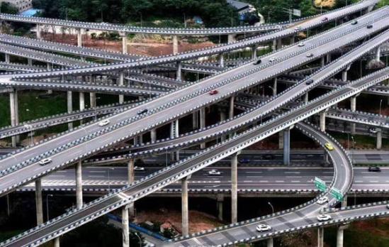 重庆最牛立交桥负责人:其实不复杂 走完只要一分钟