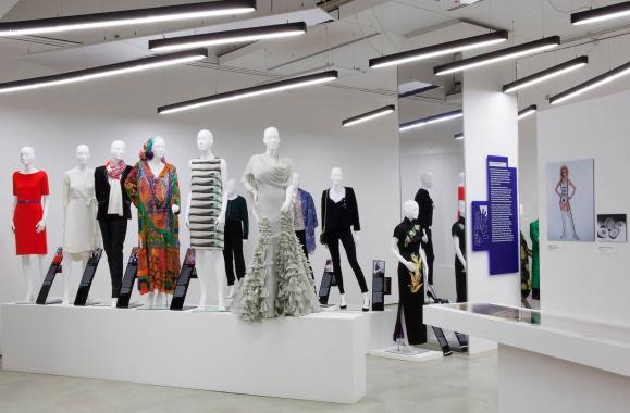 """以""""消费升级""""之名 挖掘未来的时尚服装产业消费新机会"""