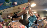女孩4岁玩攀岩 12岁成为全国冠军