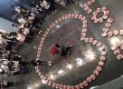 男子用99份麻辣小龙虾向女友求婚 结果让人惊呆了!