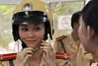 实拍越南女交警