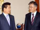 李明博在卢武铉忌日受审 曾称因卢之死遭文在寅报复