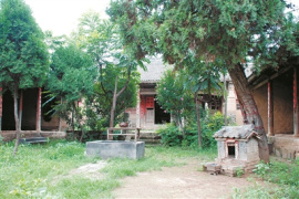 走进洛阳慈云寺:木雕精美 部分构件被损毁