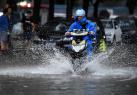 北京紧急应对强降雨 成功搜救塌方积水被困群众数十人