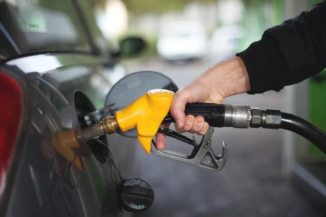 明天油价迎窗口时间 或迎年内最大降幅