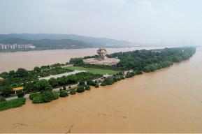 国家防总启动Ⅳ级应急响应 派4个工作组抗洪抢险救灾